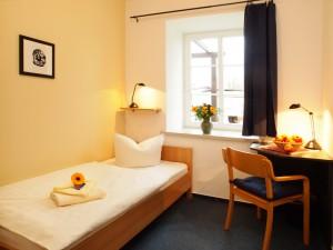 Einzelzimmer, Alte gutsanlage Mölschow